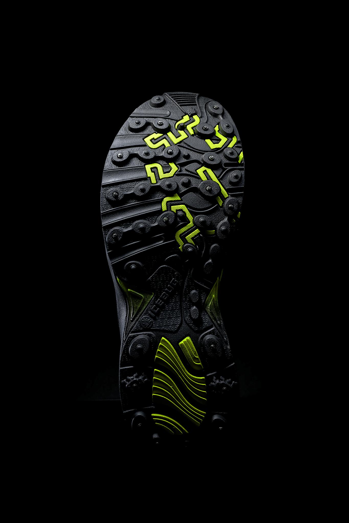 Icebug shoe sole and studs