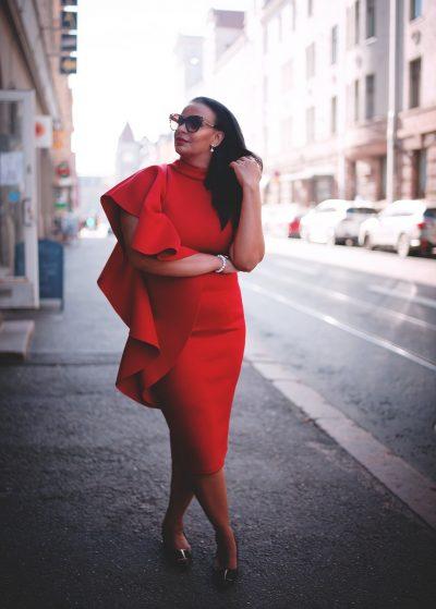 portrait muotokuva woman nainen city kaupunki street katu