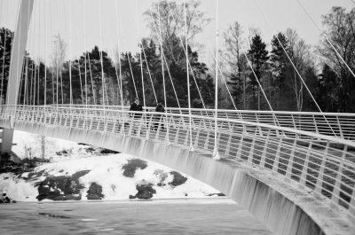 kalasatama helsinki mustavalkoinen black white streetphoto isoisänsilta katukuvaus