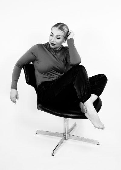 muotokuva portrait muotokuvaaja portraitphotographer salama flashes speedlite godox strobe studio canon malli femalemodel